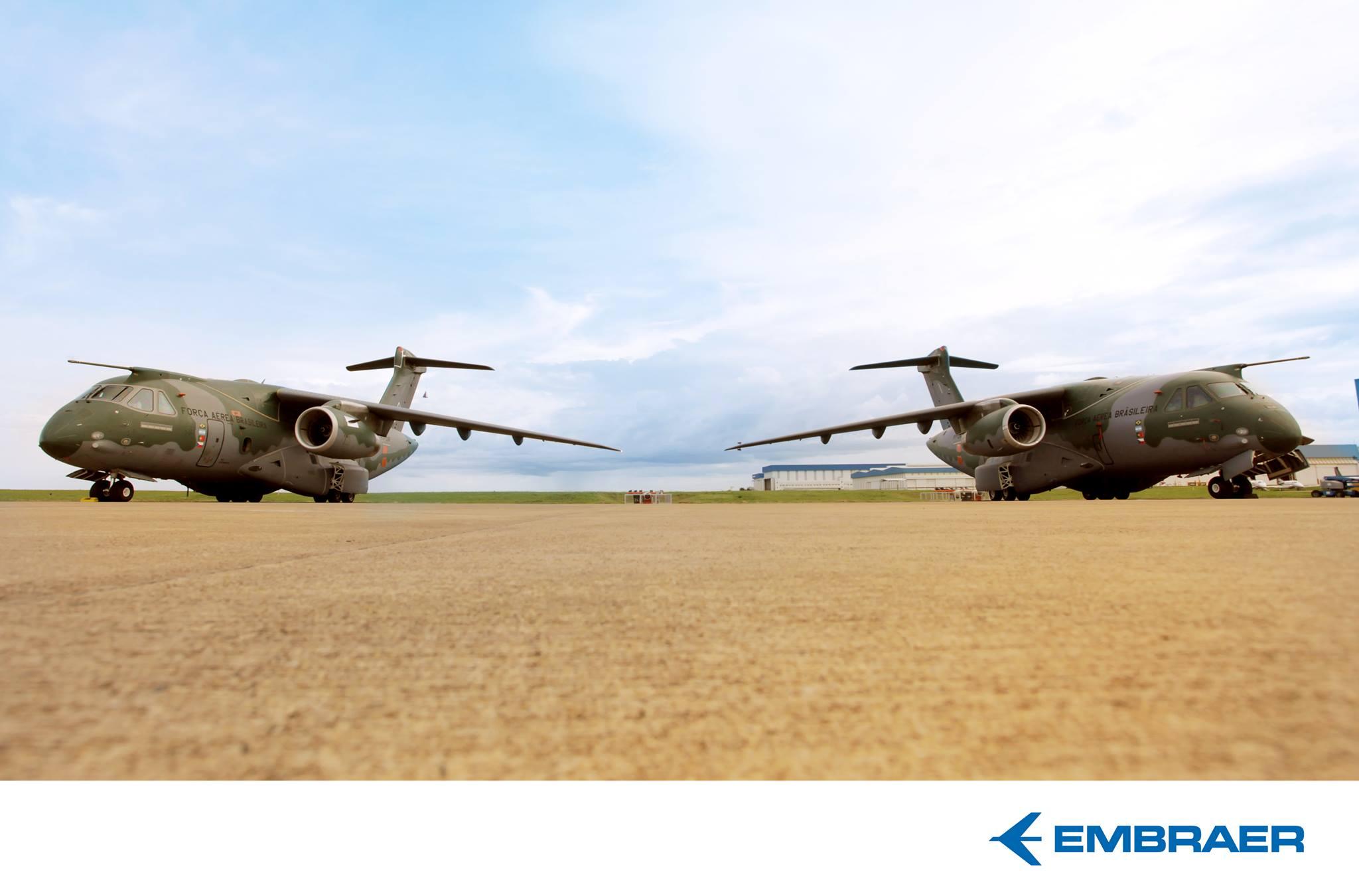 KC-390 - segundo prototipo ao lado do primeiro - foto grande - Facebook Embraer