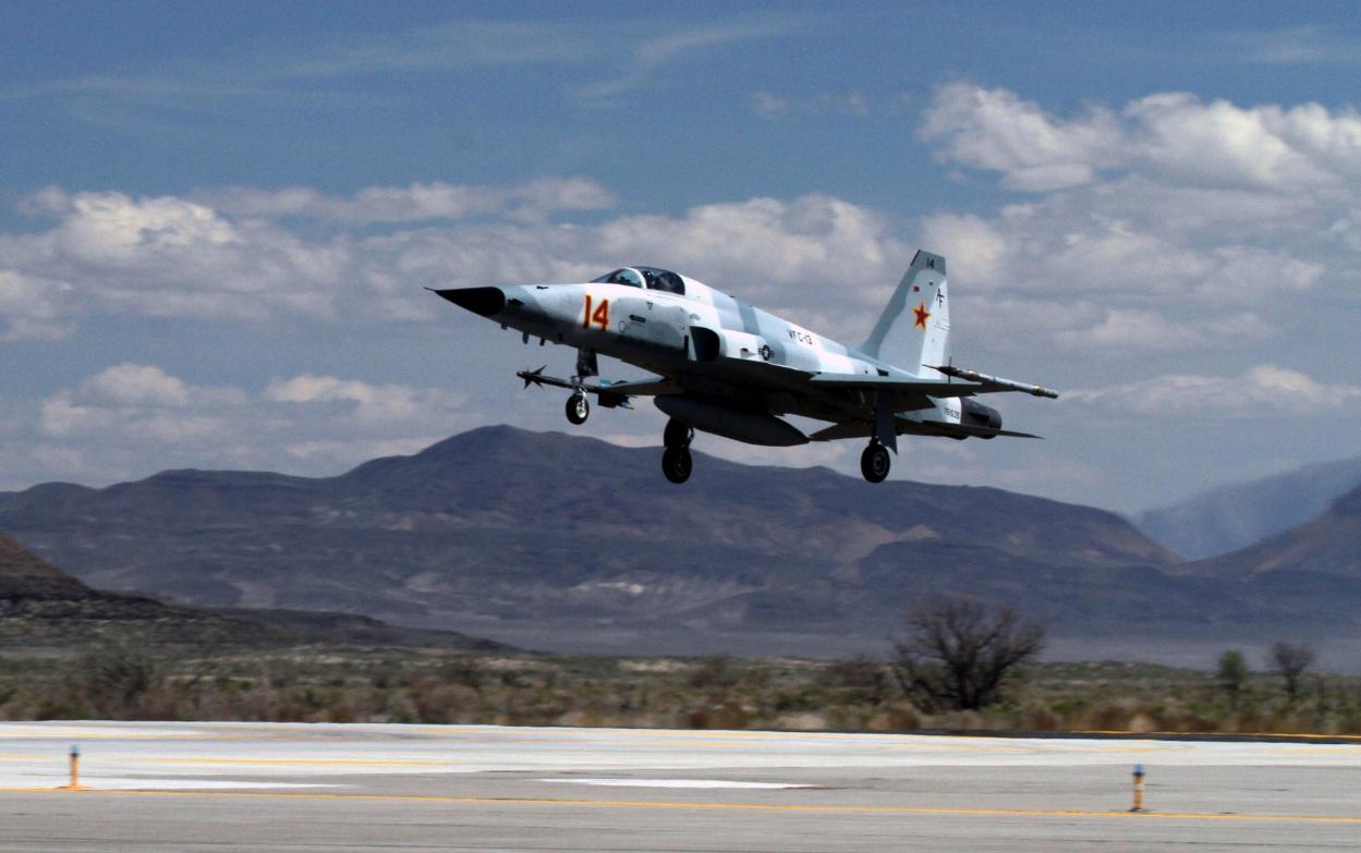 F-5 do VFC 13 - foto USN