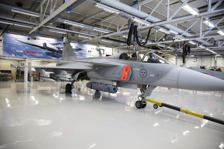 Visita hangar testes Saab 19-5-2016 - foto 5 Saab
