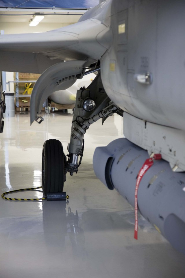 Visita hangar testes Saab 19-5-2016 - foto 4 Saab