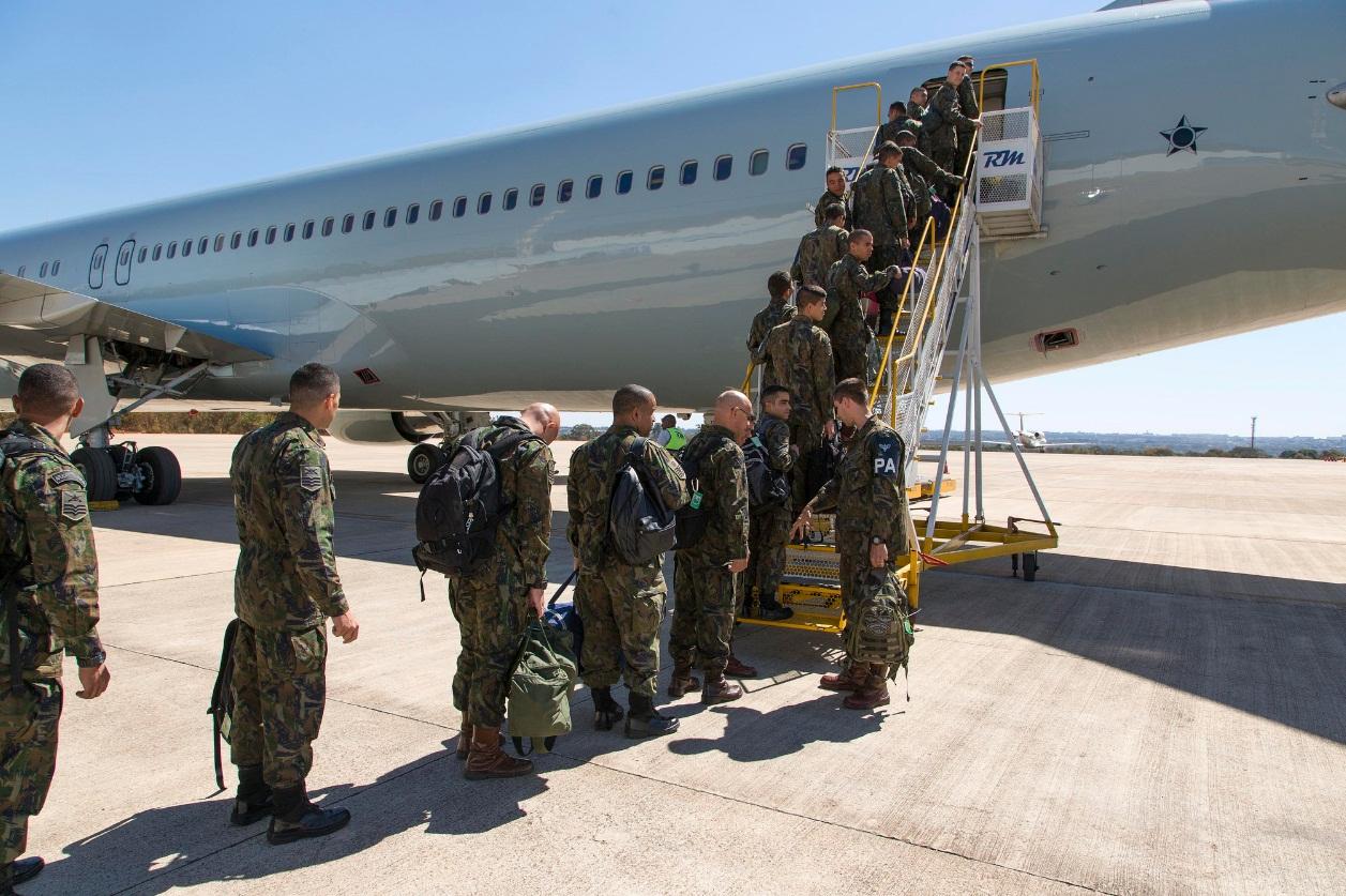 C-767 da FAB - primeiro transporte de tropas - foto 3 FAB - ten Heitor