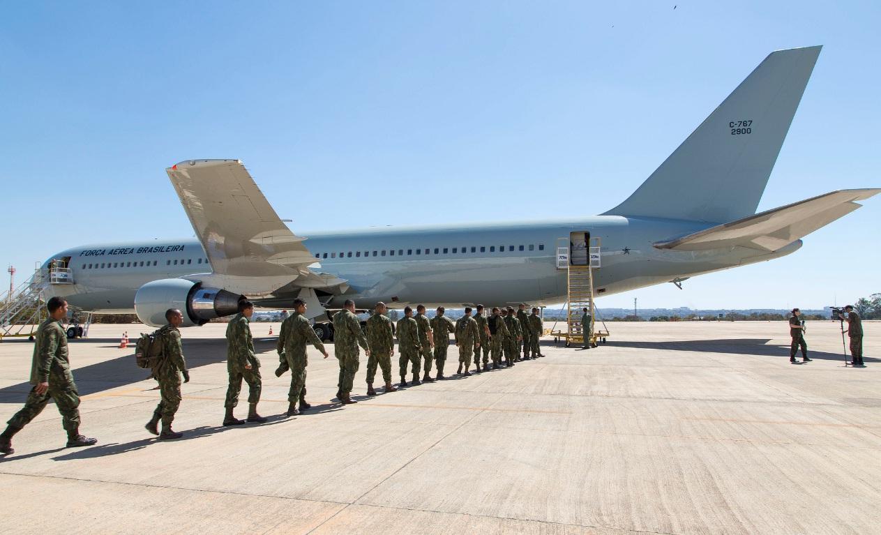 C-767 da FAB - primeiro transporte de tropas - foto FAB - ten Heitor