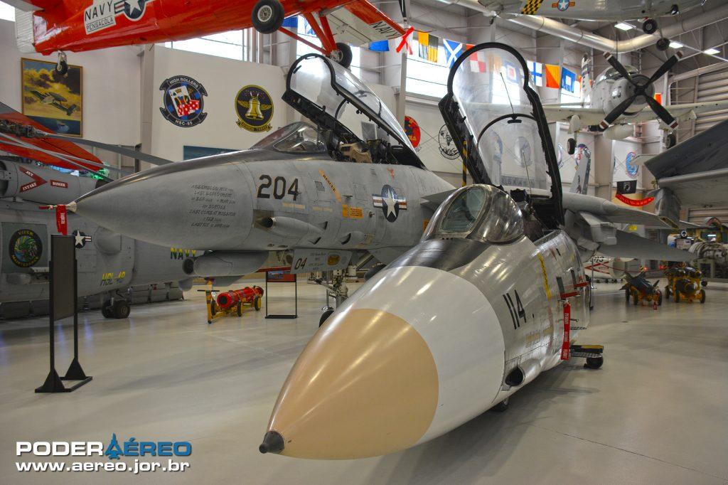 F-14 Tomcat e simulador