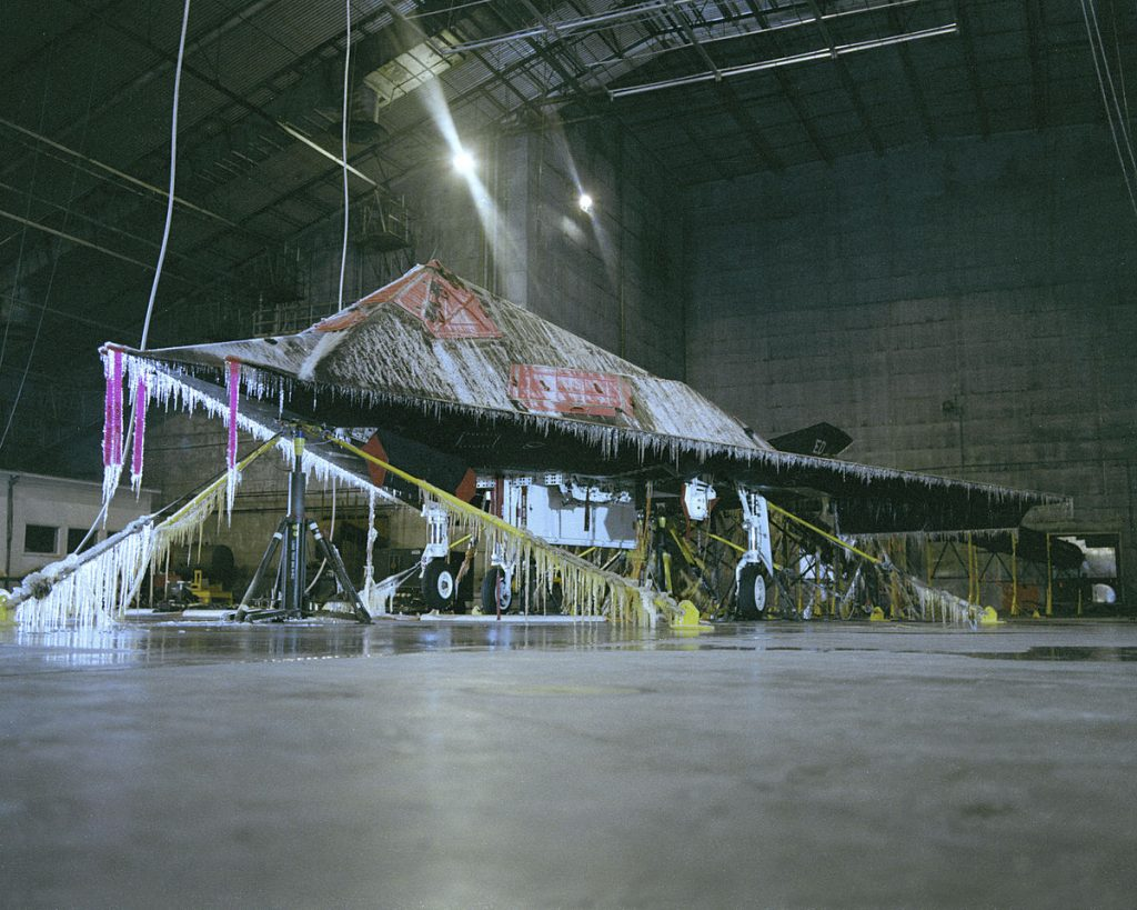 F-117_on_ice_at_McKinley_Climatic_Laboratory