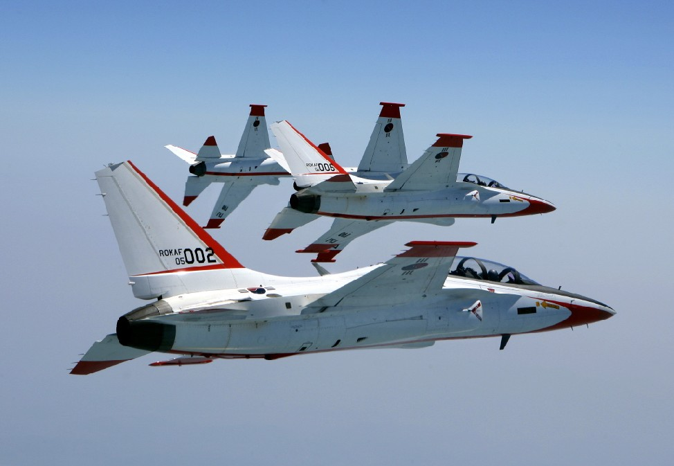 T-50 GOLDEN EAGLE Kai-t-50-voo-formacao-foto-kai