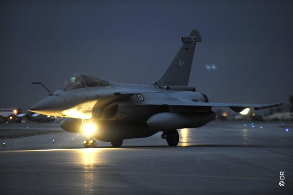 rafale_a_kandahar_1-foto-forca-aerea-francesa