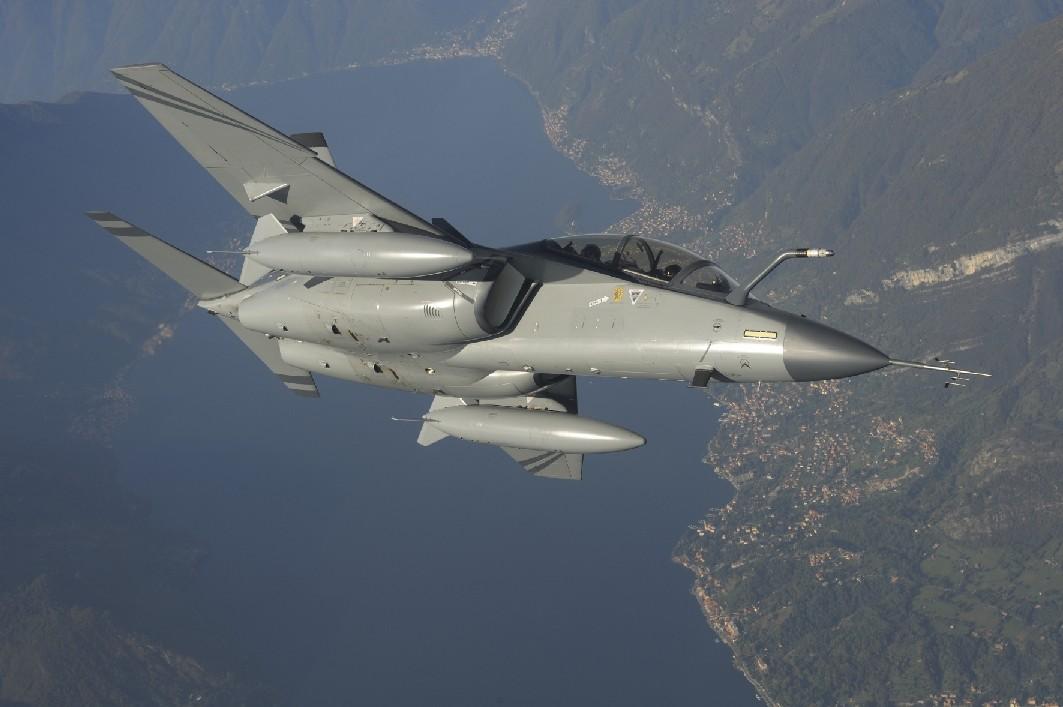 Le Bourget 2009:Finmeccanica anuncia planos de venda para o M-346