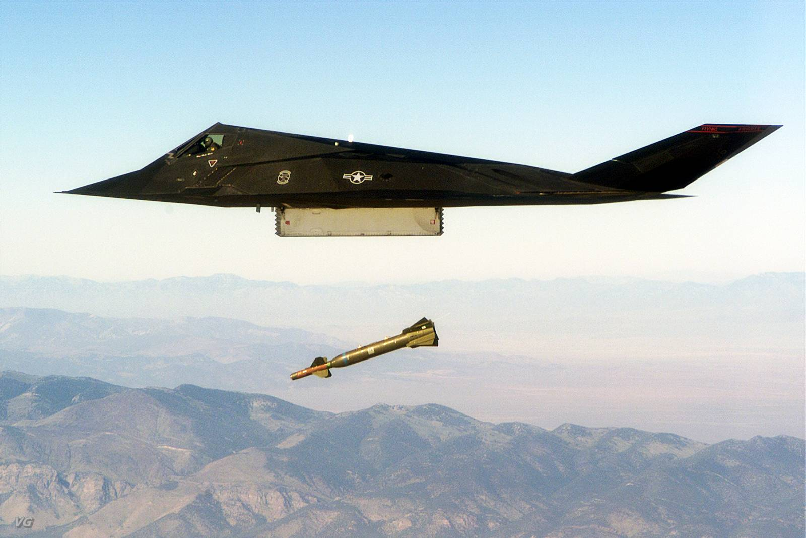 O F-117 Nighthawk - Poder Aéreo - Forças Aéreas, Indústria ...