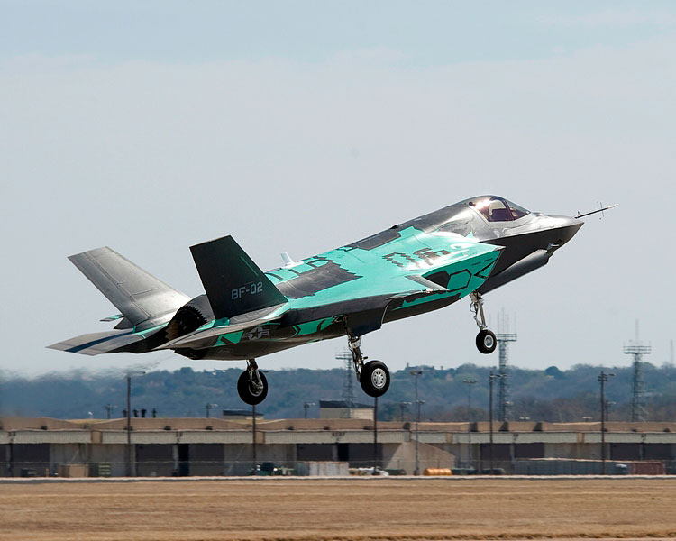 f-35-b-prototipo-2-voo-inicial-foto-jsf-website