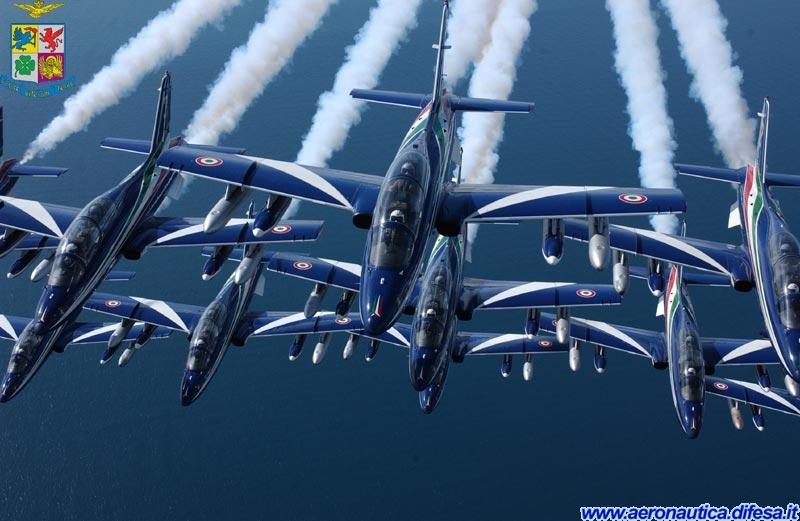 frecce-tricolori-mb-339-foto-aeronautica-difesa1