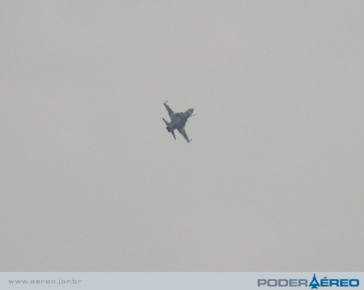 Domingo Aéreo  09 PAMA-SP - F-5EM passagem - foto  5 - Nunão
