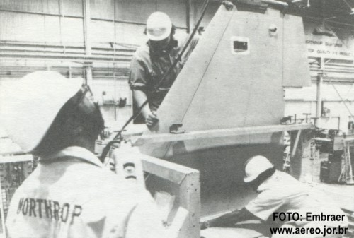 deriva-f-5e-foto-embraer