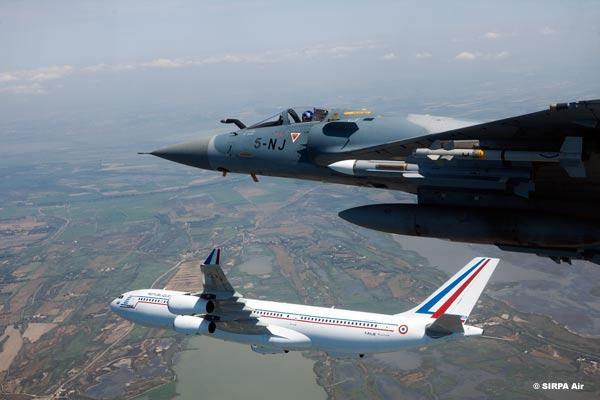 Mirage 2000 interceptacao - foto armee de lair