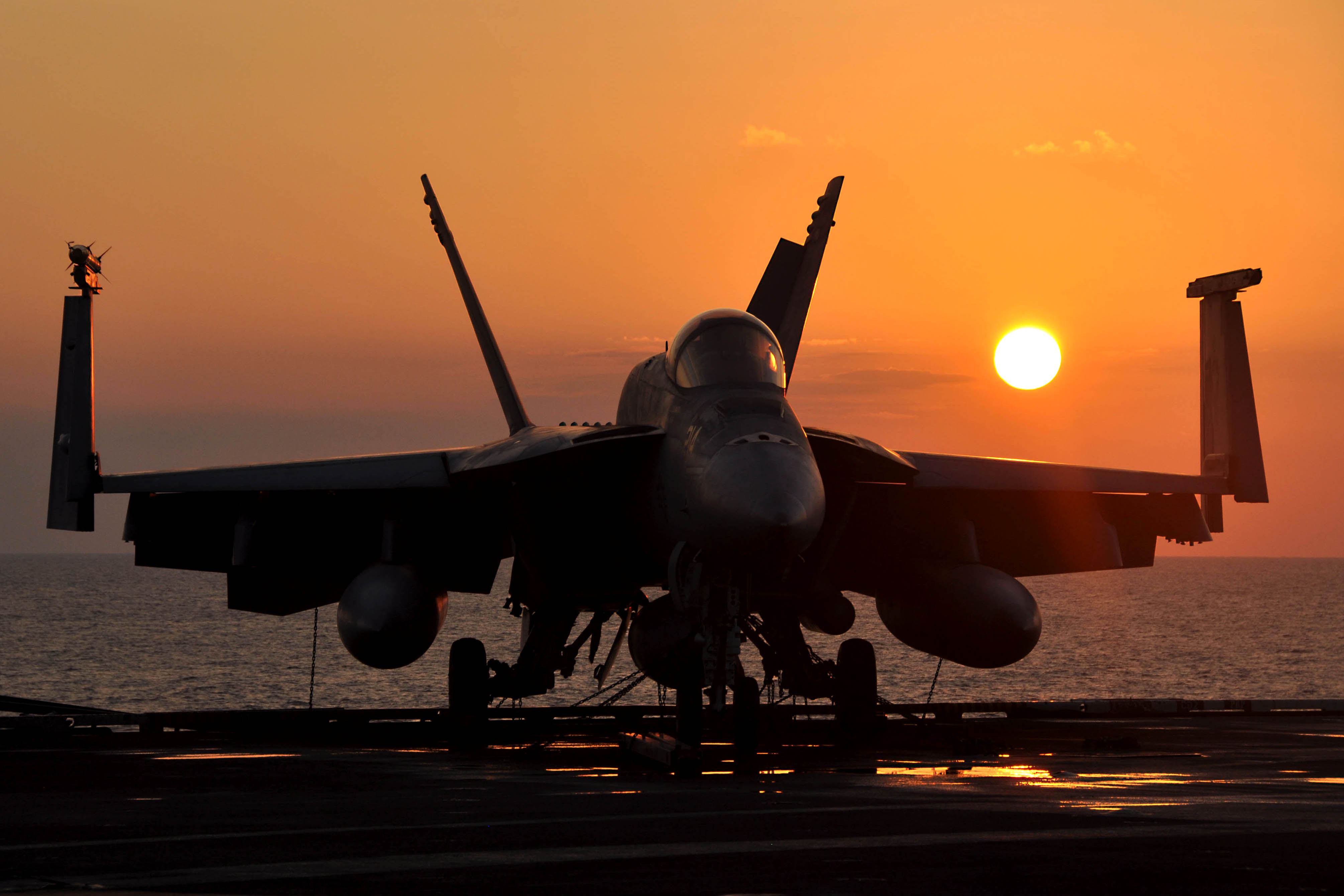 Super Hornet por-do-sol foto-USN