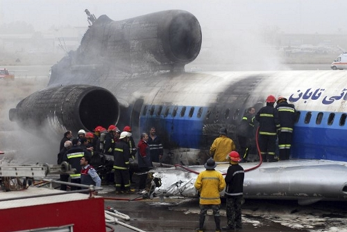 http://www.aereo.jor.br/wp-content/uploads/2010/01/Tu-154-pega-fogo-no-ira-foto-AP.jpg