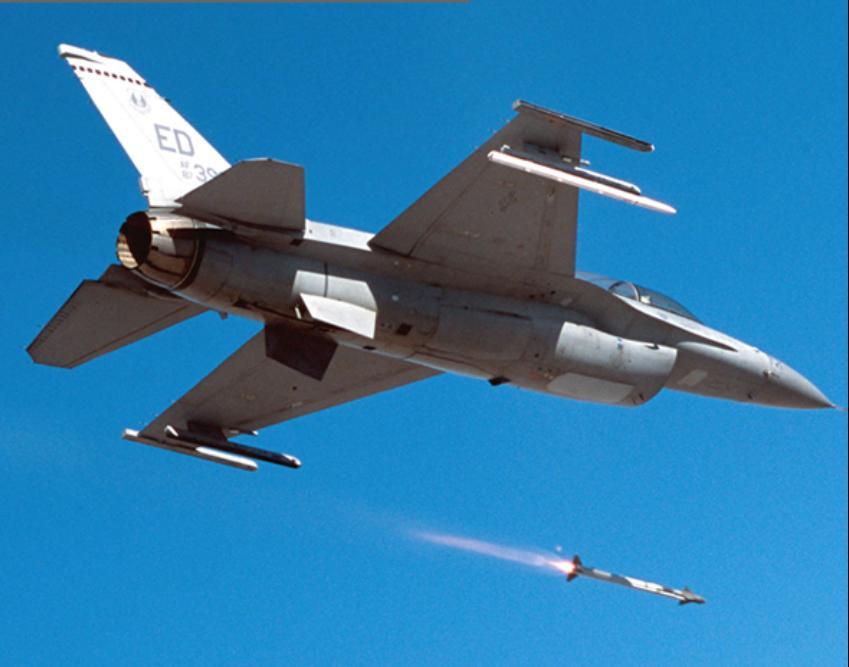 AIM-9X em F-16 -  foto Raytheon