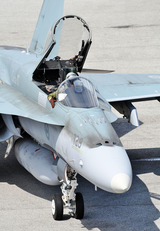 CF-18-2.jpg