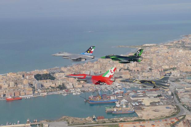 F-16 Itália comemoração 40 mil horas - foto AMI