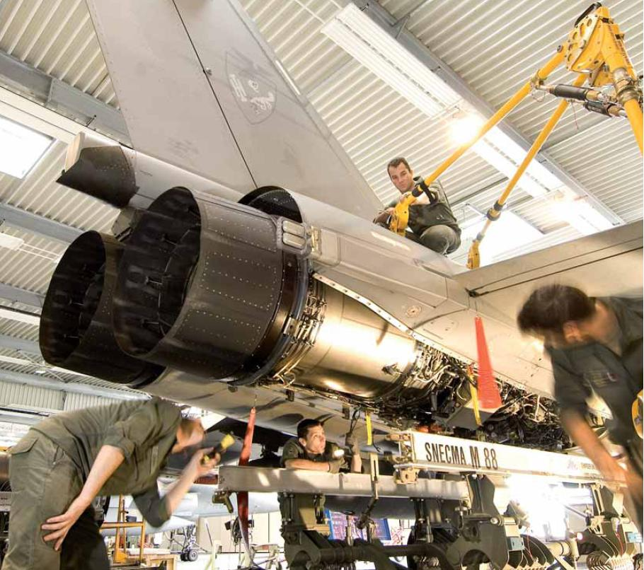 M-88 em Rafale - foto via Dassault Aviation - revista Fox three n14
