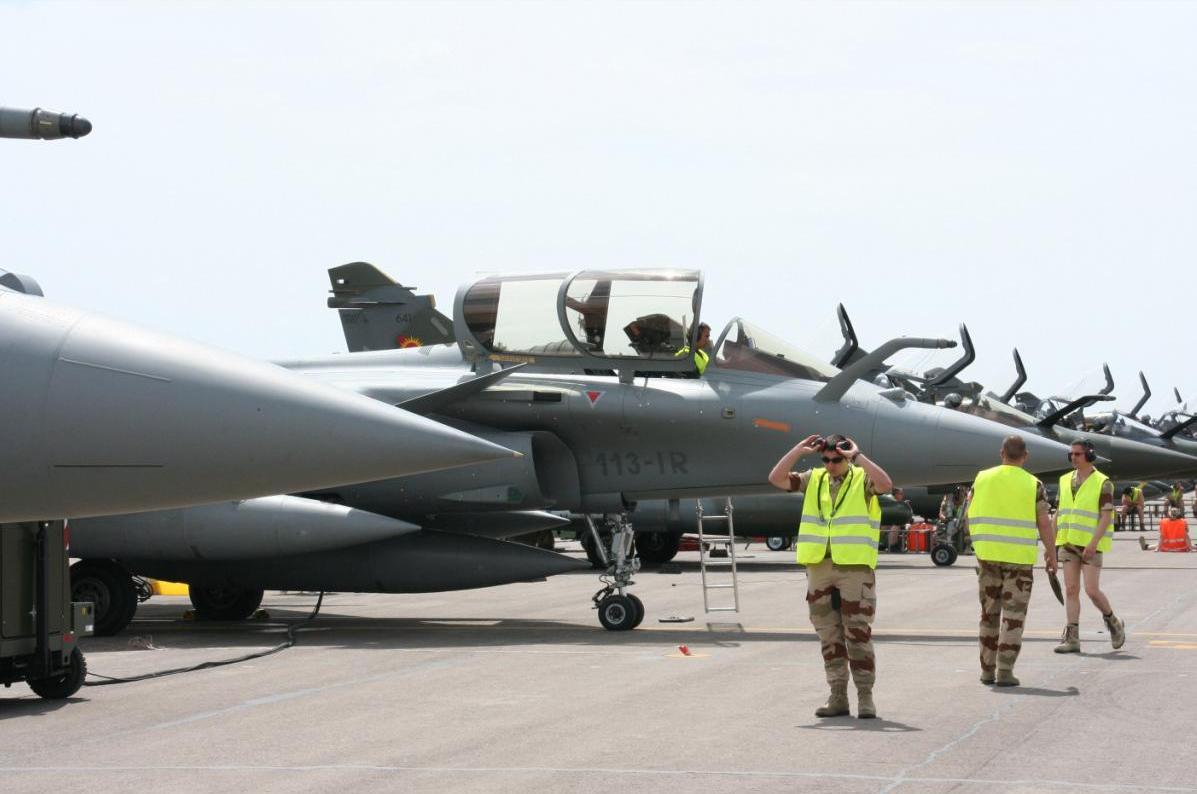 linha de Rafale e Mirage no TLP - foto Ejercito del Aire