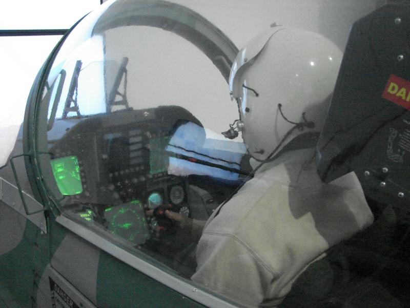 museu_TAM simulador F-18