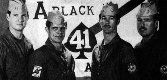 VF-41 - RIO Dave Venlet Cmdr Hank Kleeman Ten Muczynski e RIO Jim Anderson