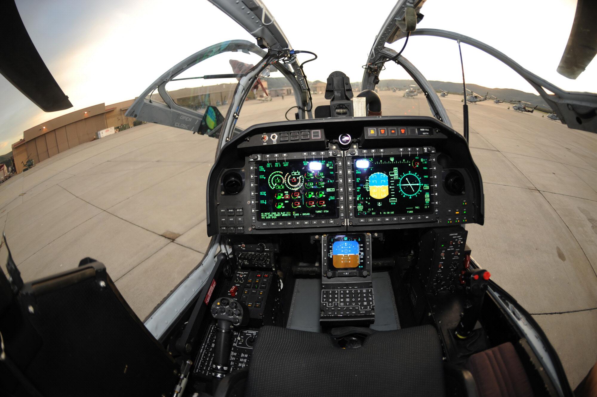 http://www.aereo.jor.br/wp-content/uploads/2010/10/AH-1Z-cockpit.jpg