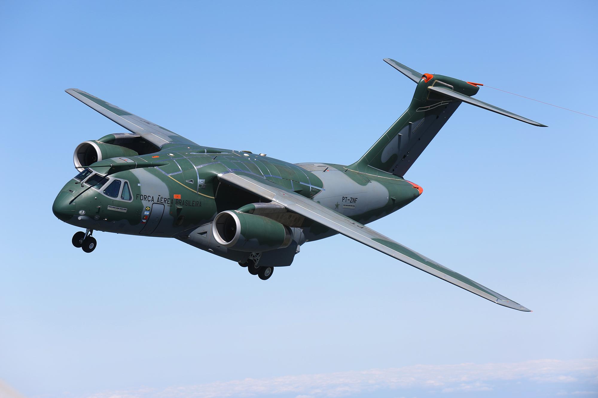 1_KC-390_Air-to-air_05.jpg