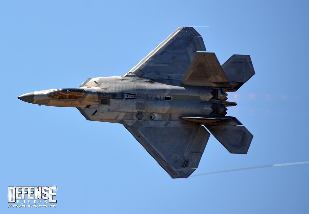 Aereo Da Caccia F 22 Raptor : Caças f raptor perdem revestimento stealth na síria