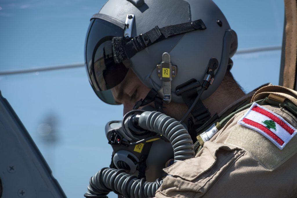Piloto-liban%C3%AAs-realiza-primeiro-voo