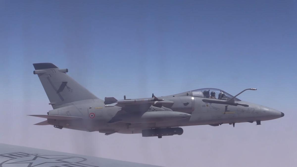 AMX-AMI-reabastecendo-sobre-o-afeganista