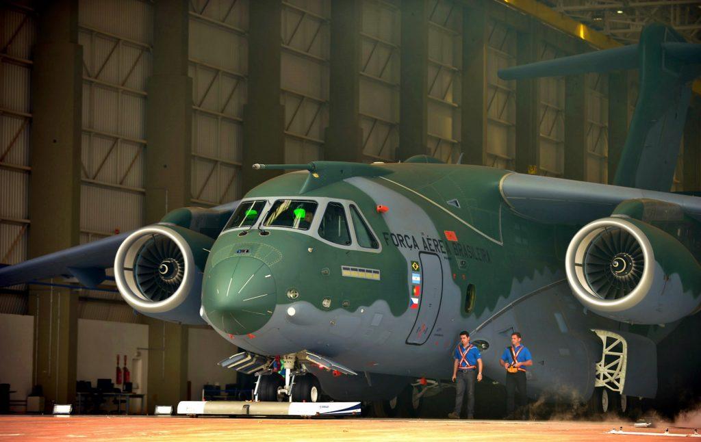 Apresenta%C3%A7%C3%A3o_KC-390_1541413573