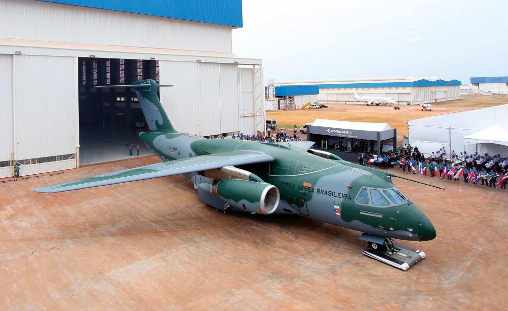 KC-390-roll-out-2-1024x628.jpg