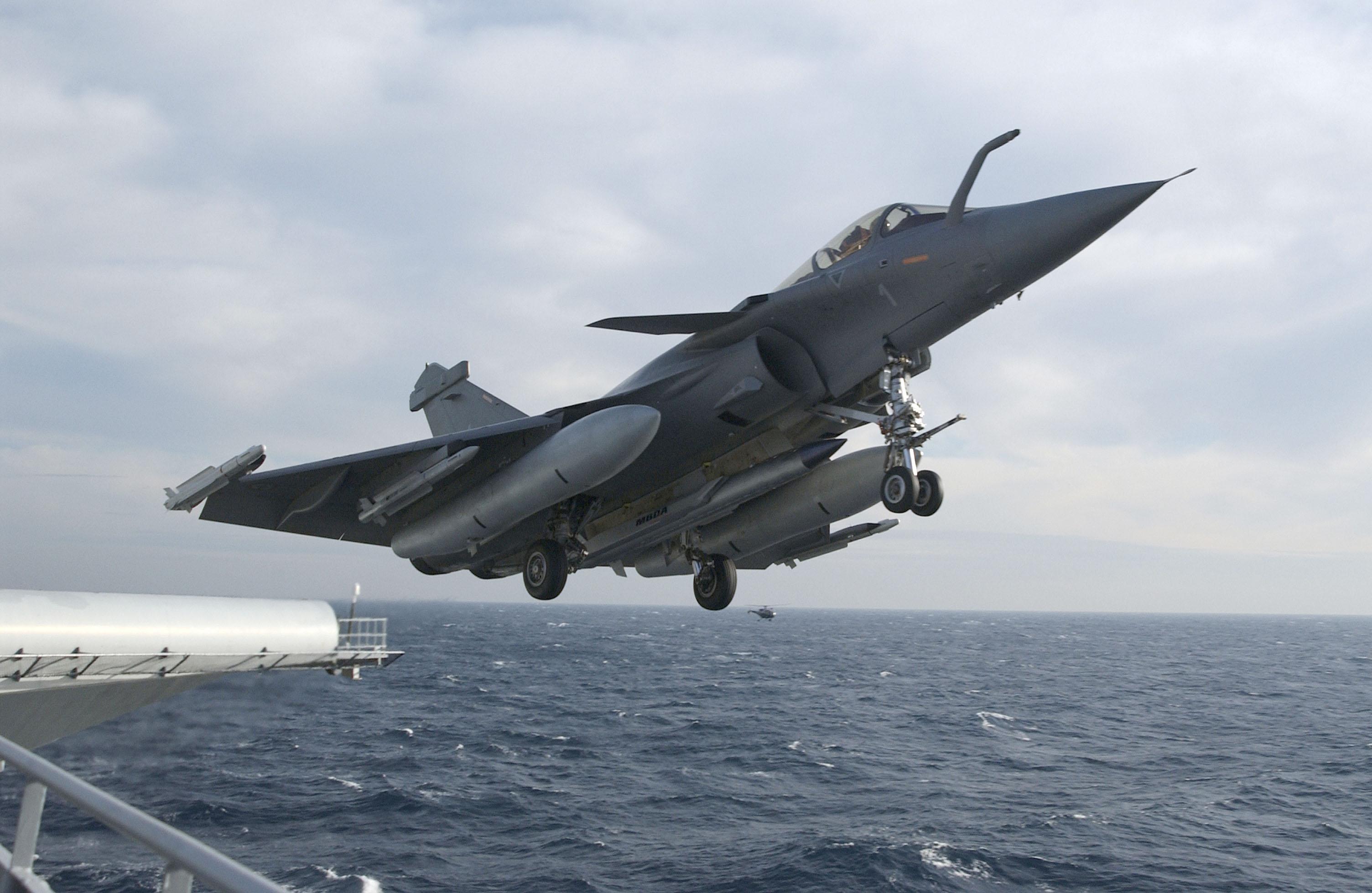 Rafale e asmpa4 - foto Dassault e MBDA