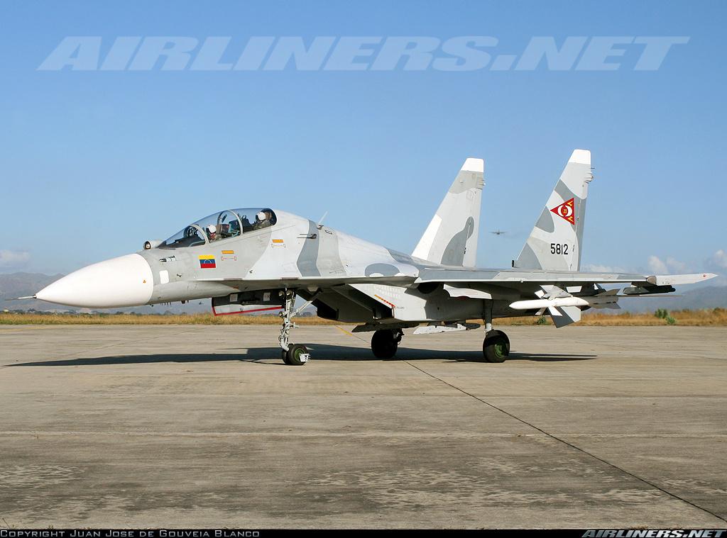 Su-30MKV com AA-10