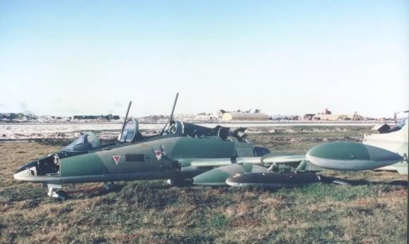 MB-339 abandonado