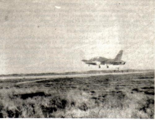 MB339 primeiro pouso nas Malvins