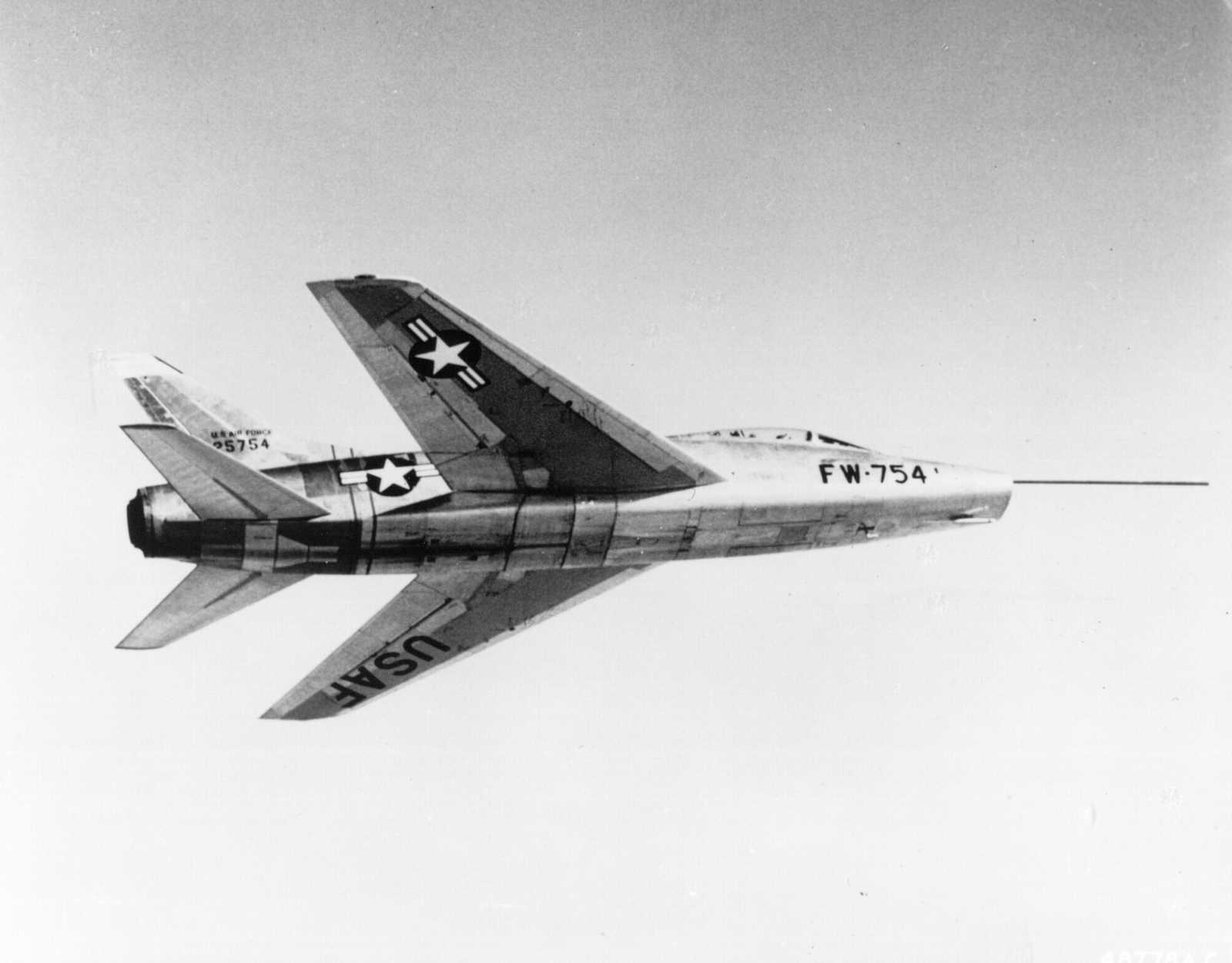 F-100 - 2