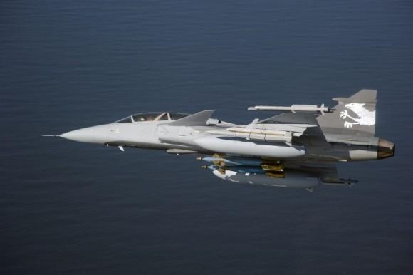 Gripen Demo com tanques maiores - foto 2 S Kalm - Saab