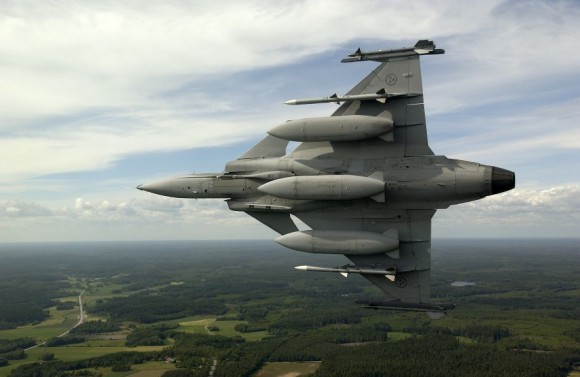 Gripen A with AMRAAM and Sidewinder - foto Saab