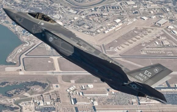 F-35A - voo primeiro exemplar de produção - foto Lockheed Martin