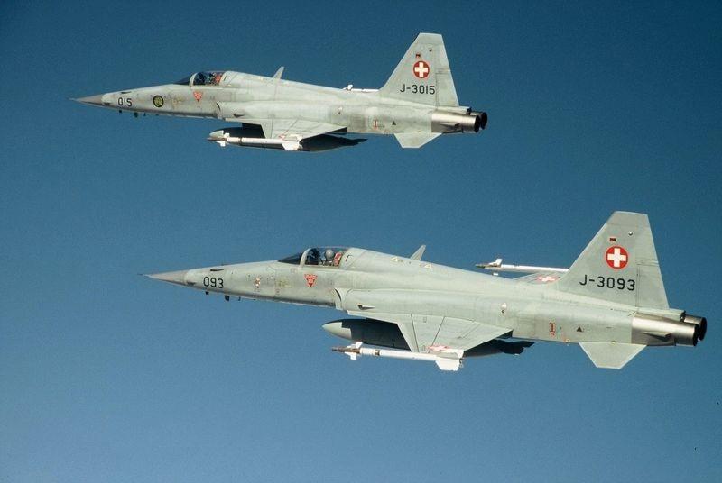 F-5 suíços - foto 2 Força Aérea Suíça
