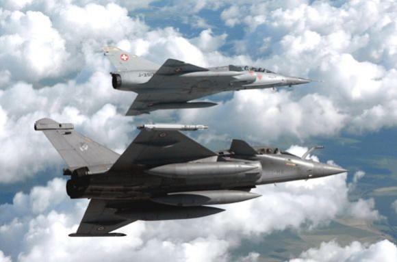 Mirage III DS e Rafale B - foto 4 via Força Aérea Suíça