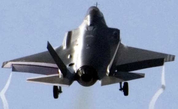 F-35 de testes decola - foto jsfmil