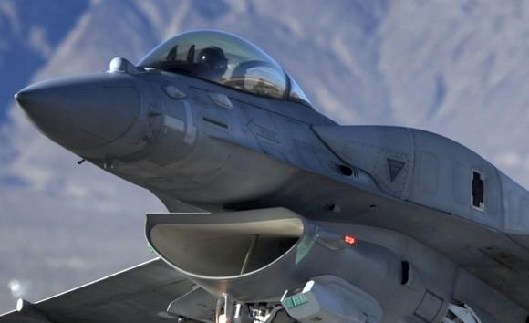 F-16 Emirados - detalhe - foto USAF