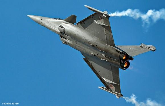 Rafale em apresentação - foto Força Aérea Francesa
