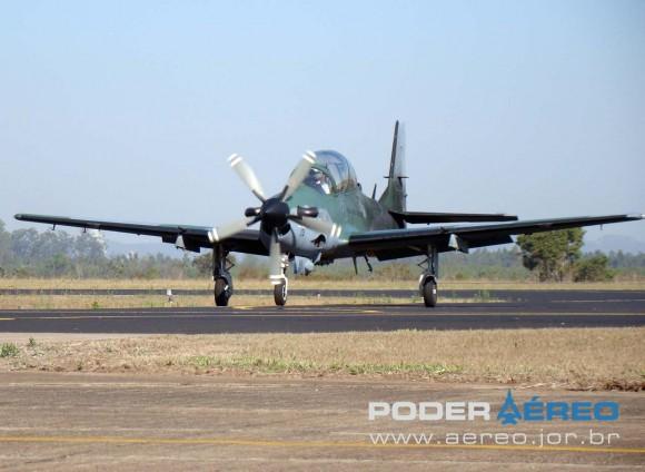 A-29A - Esquadrão Flecha - FAB - Domingo Aéreo AFA 2011 - foto 3 Nunão Poder Aéreo