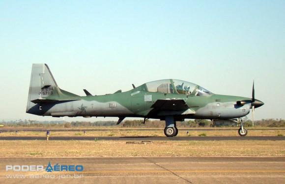 A-29A - Esquadrão Flecha - FAB - Domingo Aéreo AFA 2011 - foto 6 Nunão Poder Aéreo