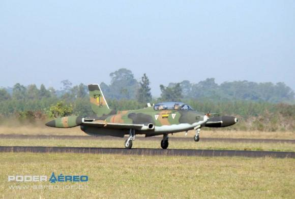 AT-26 FAB - IPEV - Domingo Aéreo AFA 2011 - foto 2 Nunão Poder Aéreo