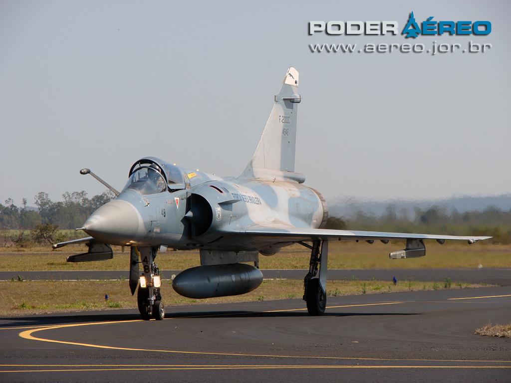 domingo aereo AFA 2011 - Mirage 2000C 2 - foto Poggio